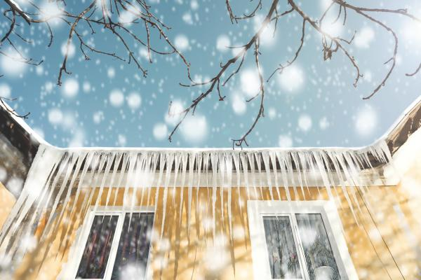 Property Restoration: 3 Unexpected Risks to Your Home, Office & Health in Winter